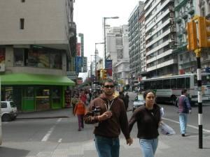postal típica de Montevideo, siempre el termo bajo el brazo